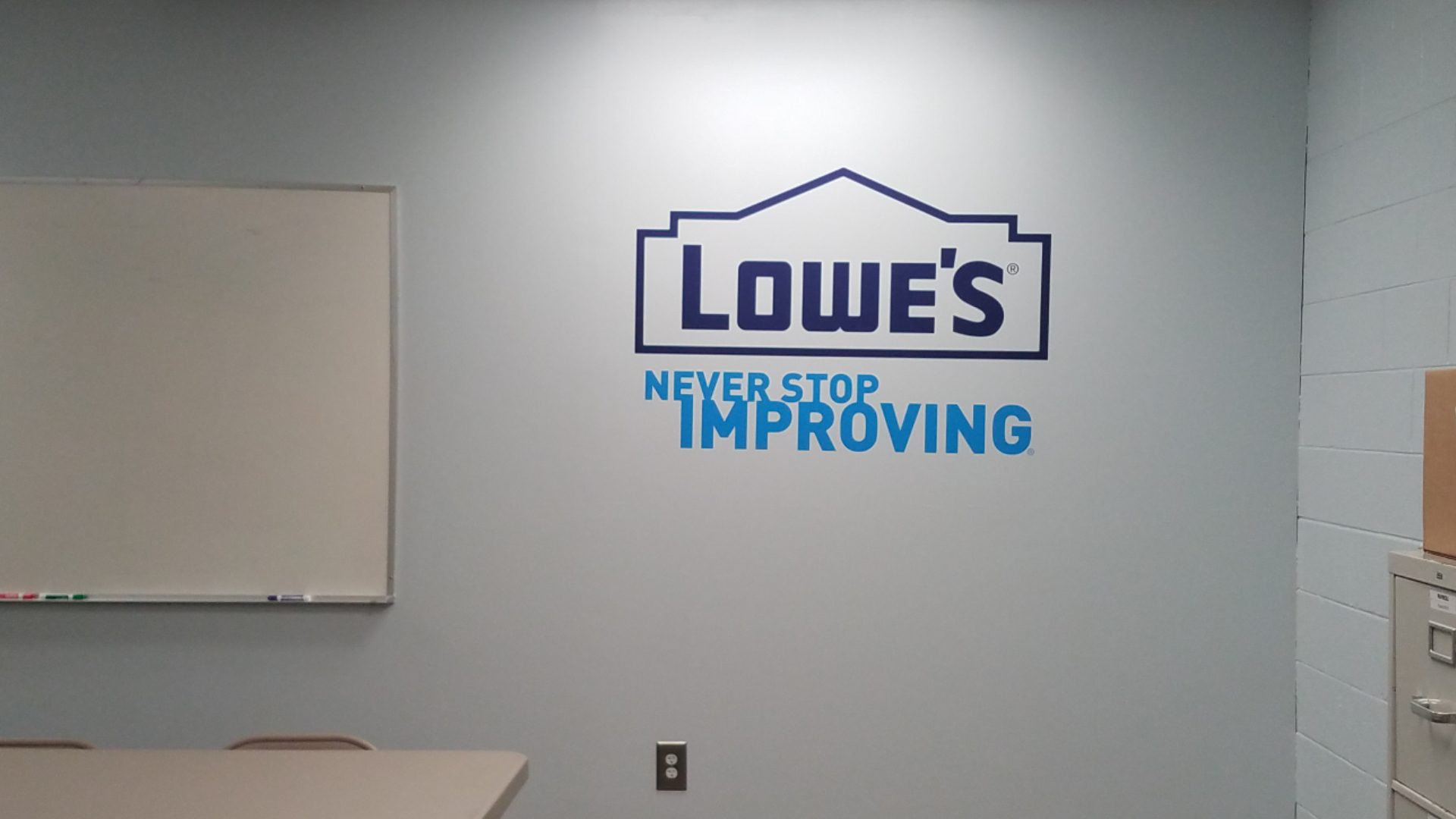 Lowes - Vinyl Wall Graphics (4)